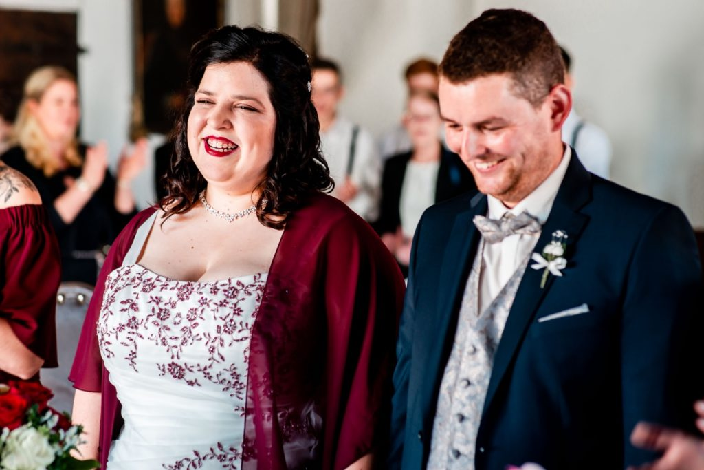 Brautpaar im Standesamt Hochzeit