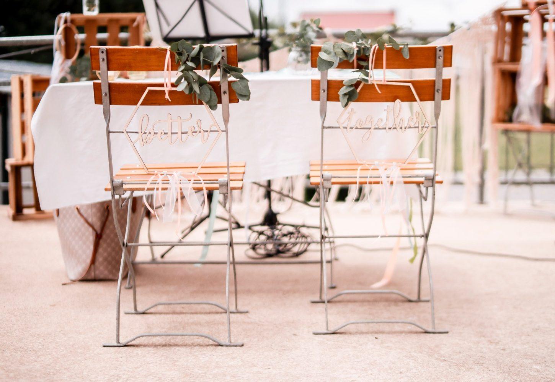 Stühle vom Brautpaar